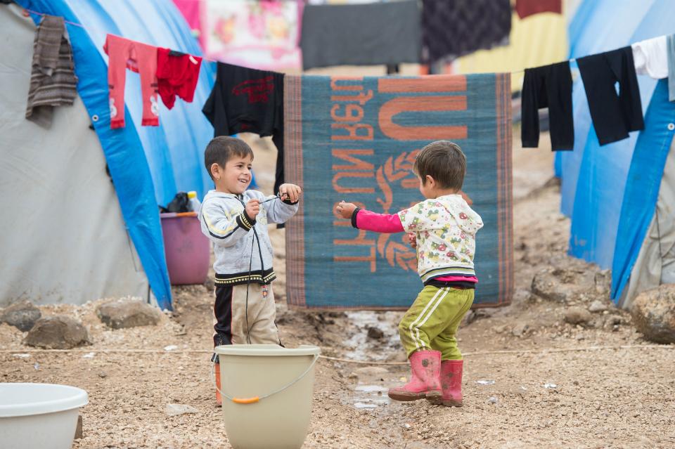 children-playing-syria